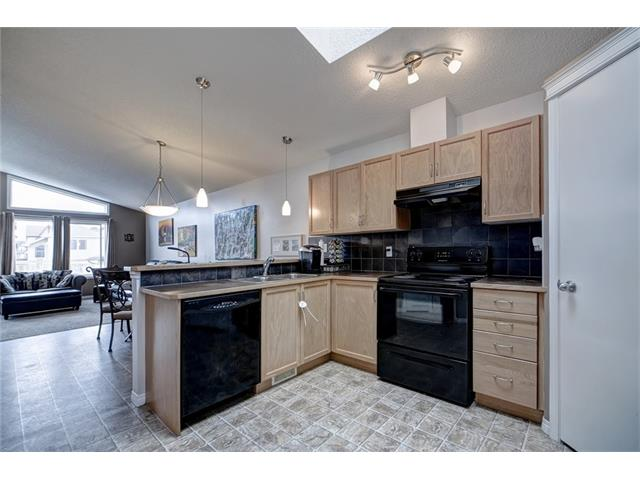 Photo 3: 2061 NEW BRIGHTON GD SE in Calgary: New Brighton House for sale : MLS(r) # C4062346