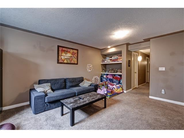 Photo 18: 2061 NEW BRIGHTON GD SE in Calgary: New Brighton House for sale : MLS(r) # C4062346