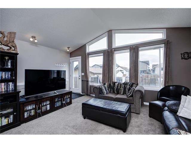 Photo 15: 2061 NEW BRIGHTON GD SE in Calgary: New Brighton House for sale : MLS(r) # C4062346