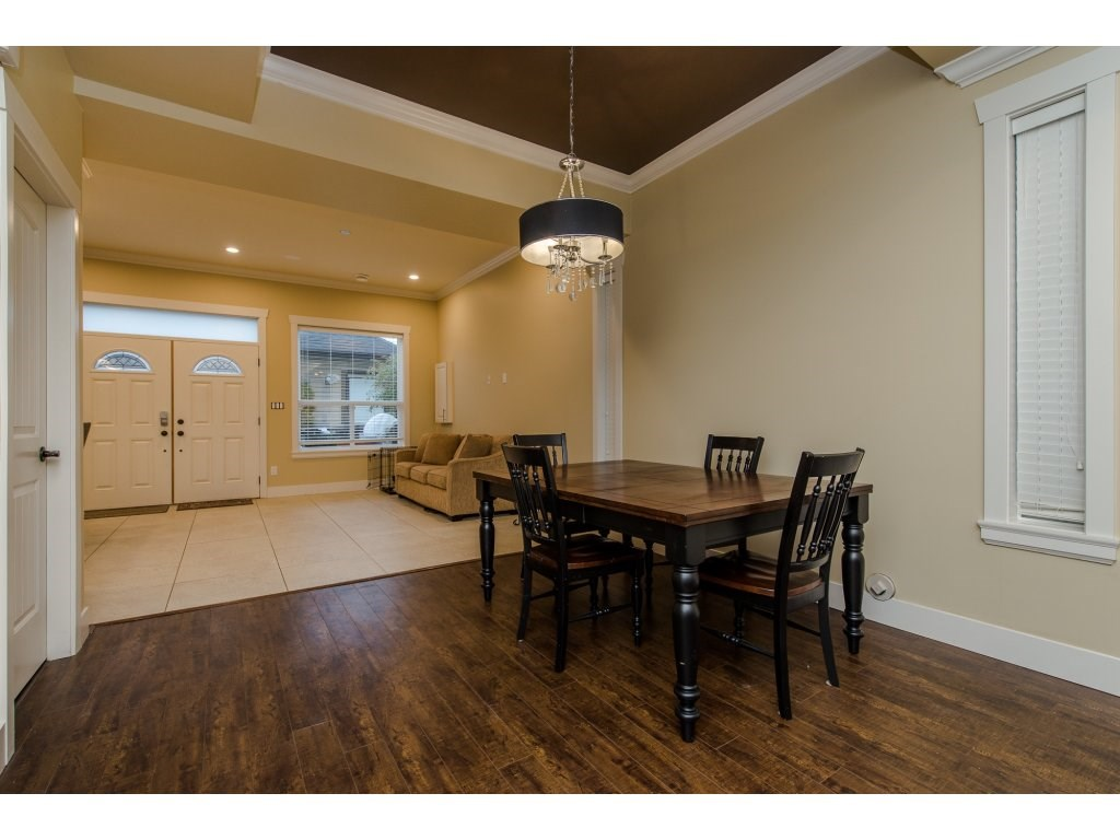 Photo 6: 27943 FRASER HIGHWAY in Abbotsford: Aberdeen House for sale : MLS(r) # R2136976