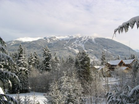 Main Photo: Excellent Views easy walk to Village