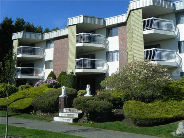 "Main Photo: 101 327 9TH Street in New Westminster: Uptown NW Condo for sale in ""KENNEDY MANOR"" : MLS(r) # V950273"