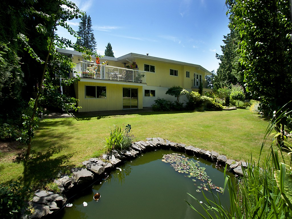 "Main Photo: 1026 PACIFIC Place in Tsawwassen: English Bluff House for sale in ""THE VILLAGE"" : MLS®# V1075531"