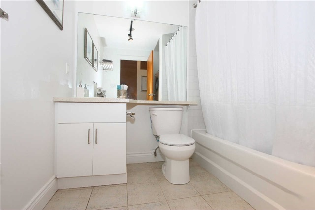 Photo 5: 833 King St W Unit #210 in Toronto: Niagara Condo for sale (Toronto C01)  : MLS(r) # C3375090