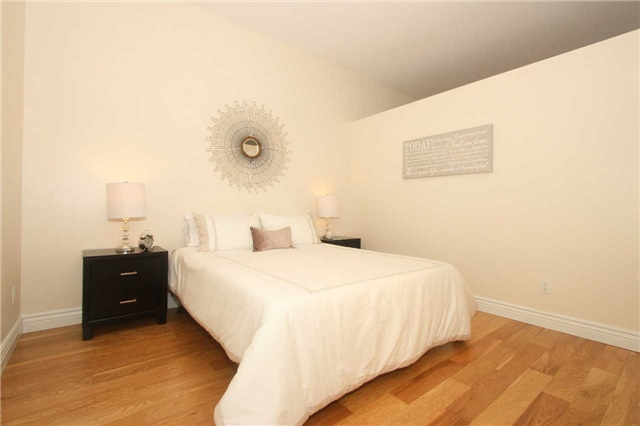 Photo 3: 833 King St W Unit #210 in Toronto: Niagara Condo for sale (Toronto C01)  : MLS(r) # C3375090