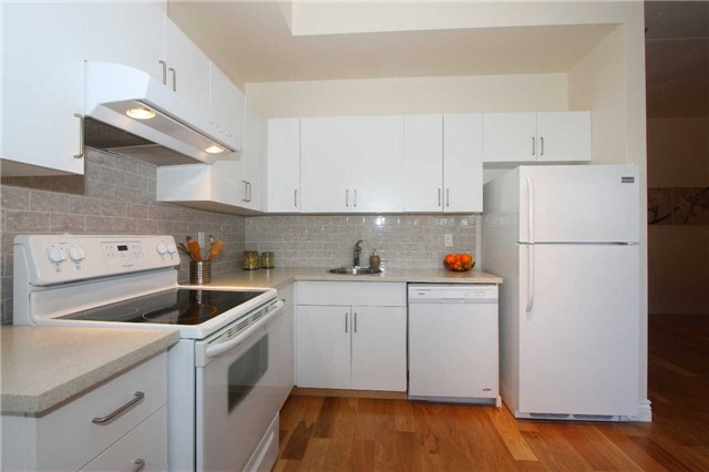 Photo 17: 833 King St W Unit #210 in Toronto: Niagara Condo for sale (Toronto C01)  : MLS(r) # C3375090