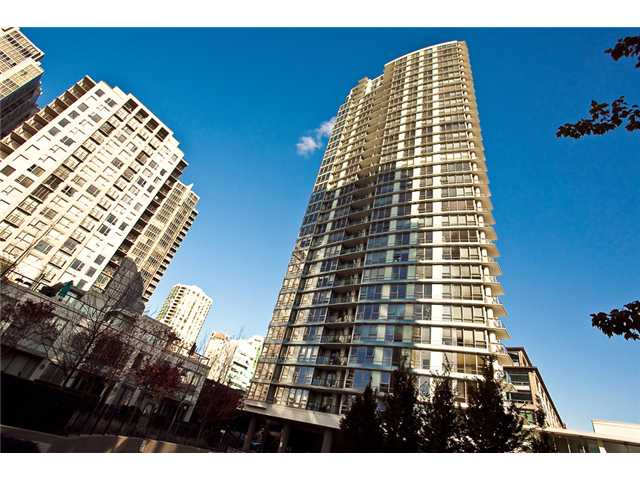 "Main Photo: 2208 928 BEATTY Street in Vancouver: Yaletown Condo for sale in ""MAX 1"" (Vancouver West)  : MLS® # V960226"