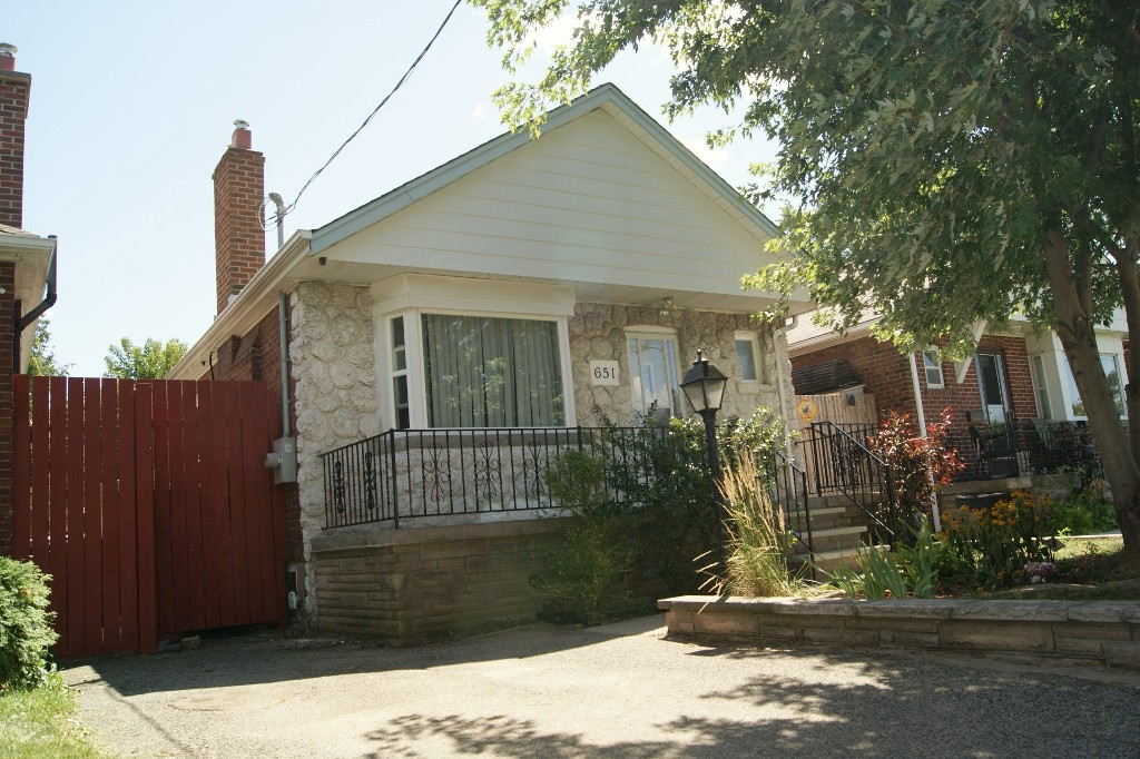 Main Photo: Toronto in Danforth Village: Freehold for sale (Toronto E03)