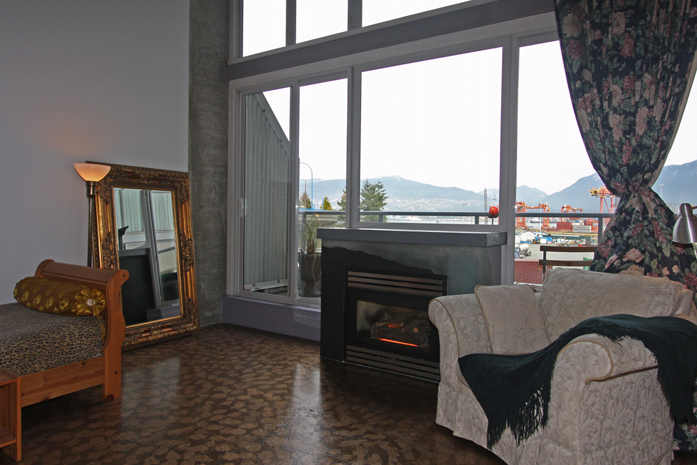 Main Photo: 202 289 Alexander Street in Vancouver: Hastings East Condo for sale (Vancouver East)  : MLS® # V998025