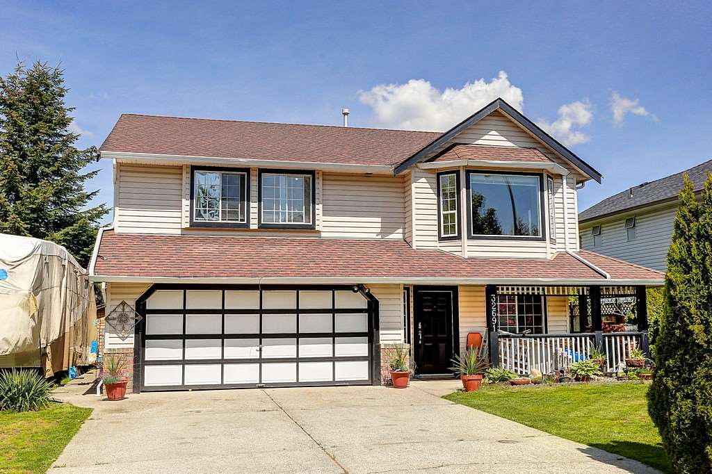 Main Photo: 32691 KUDO DRIVE in Mission: Mission BC House for sale : MLS® # R2063757