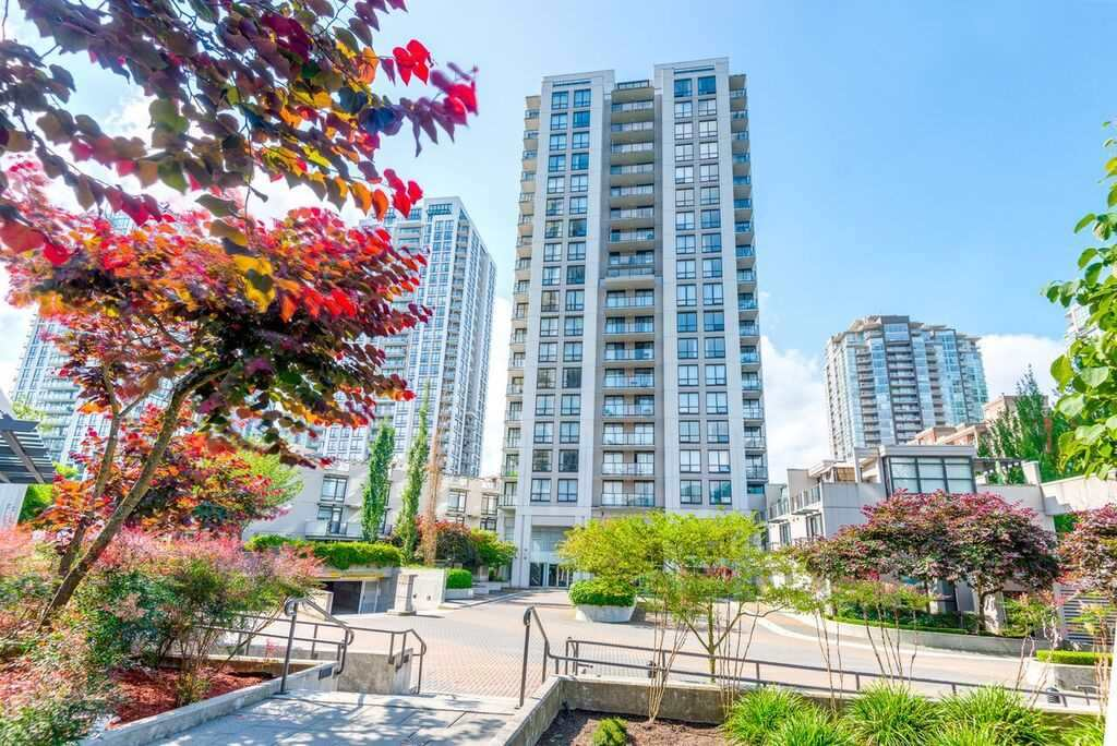 Main Photo: 305 1185 THE HIGH STREET in Coquitlam: North Coquitlam Condo for sale : MLS® # R2145713