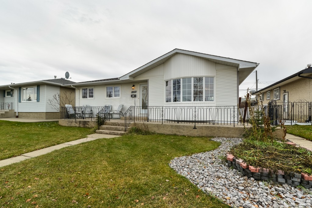 Photo 25: 9015 137 Ave in Edmonton: House for sale : MLS(r) # E4043530
