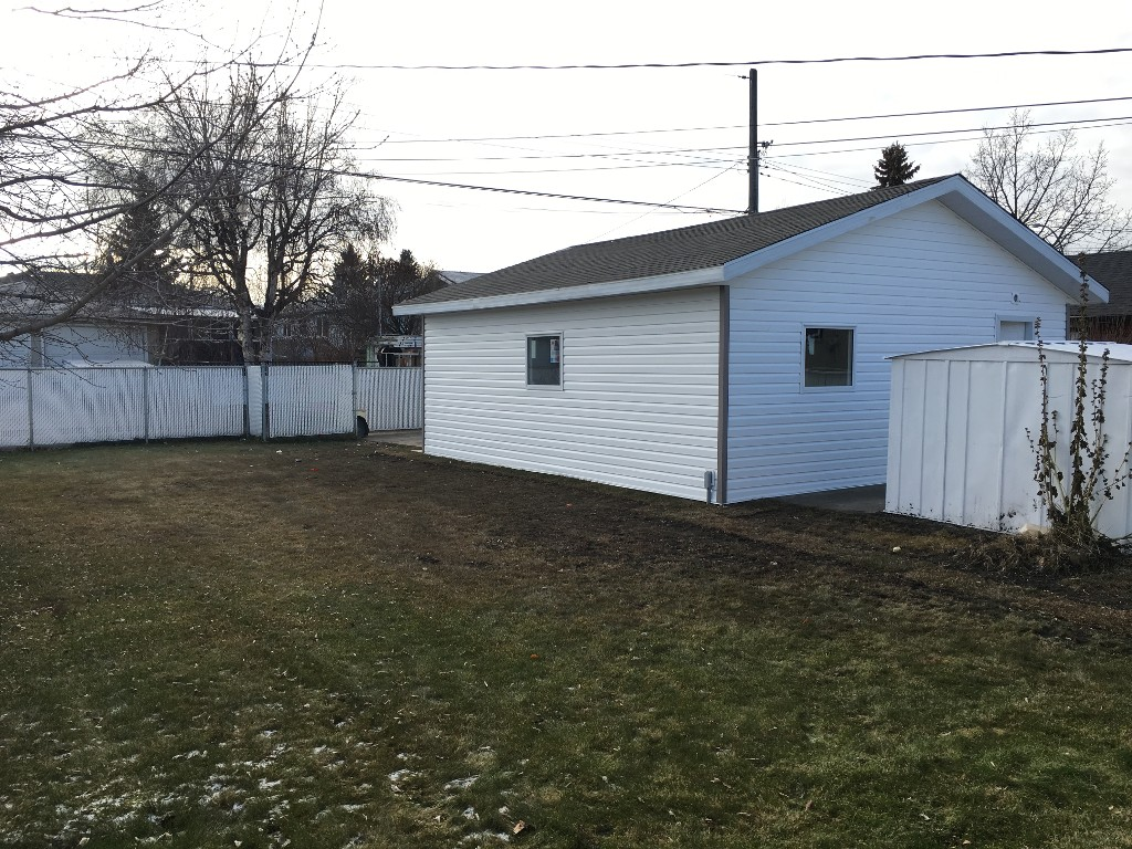 Photo 32: 9015 137 Ave in Edmonton: House for sale : MLS(r) # E4043530