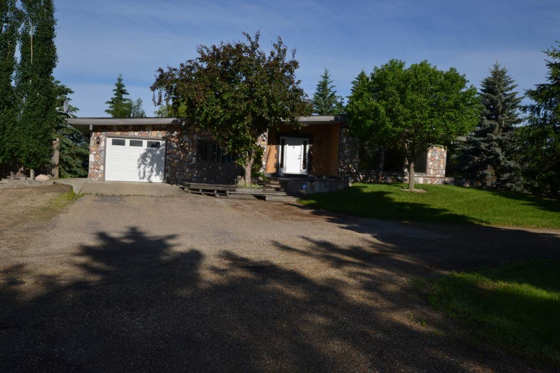 FEATURED LISTING: 25415 TWP 544 Rural Sturgeon County