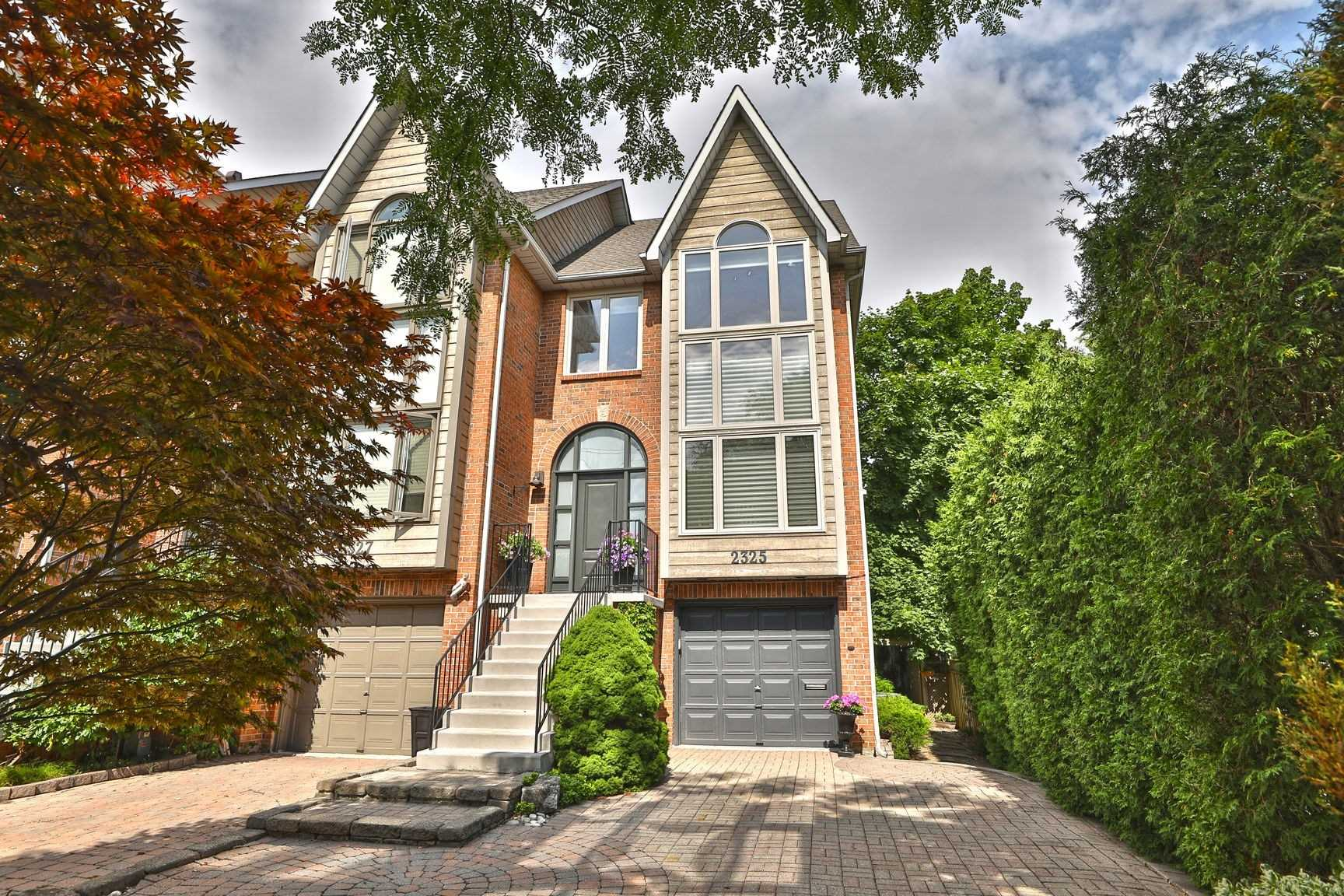 FEATURED LISTING: 2325 Marine Drive Oakville