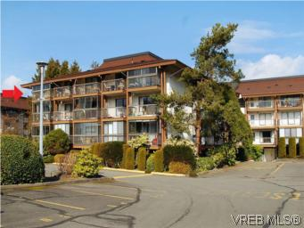 Main Photo: 416 1009 McKenzie Avenue in VICTORIA: SE Quadra Condo Apartment for sale (Saanich East)  : MLS®# 284994
