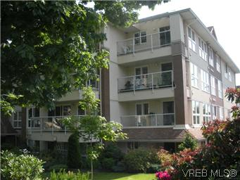 Main Photo: 408 1501 Richmond Avenue in VICTORIA: Vi Jubilee Condo Apartment for sale (Victoria)  : MLS(r) # 295954