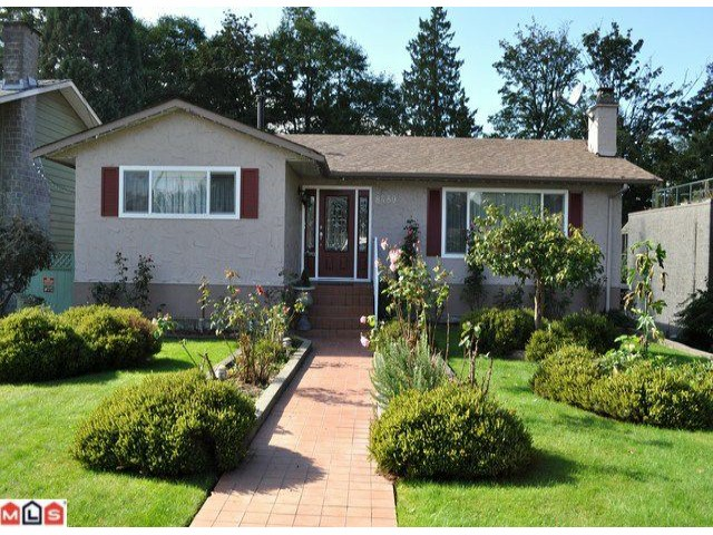 "Main Photo: 8489 110A Street in Delta: Nordel House for sale in ""NORDEL"" (N. Delta)  : MLS® # F1207452"