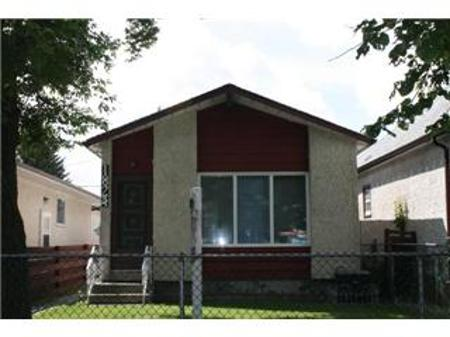 Photo 1: 1824 LEGION AVE.: Residential for sale (Brooklands)  : MLS® # 1014583