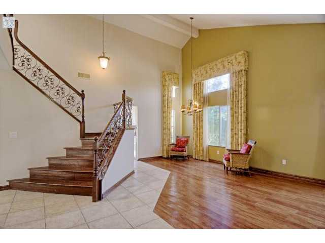 Photo 3: SANTEE House for sale : 5 bedrooms : 8558 Clifford Heights Road