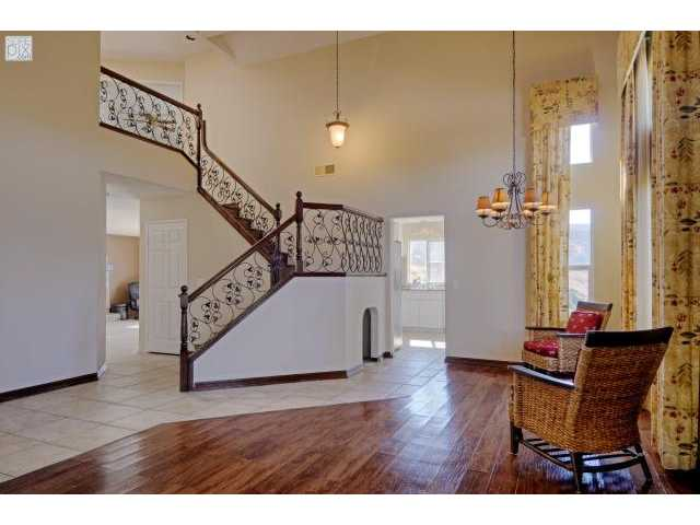 Photo 4: SANTEE House for sale : 5 bedrooms : 8558 Clifford Heights Road