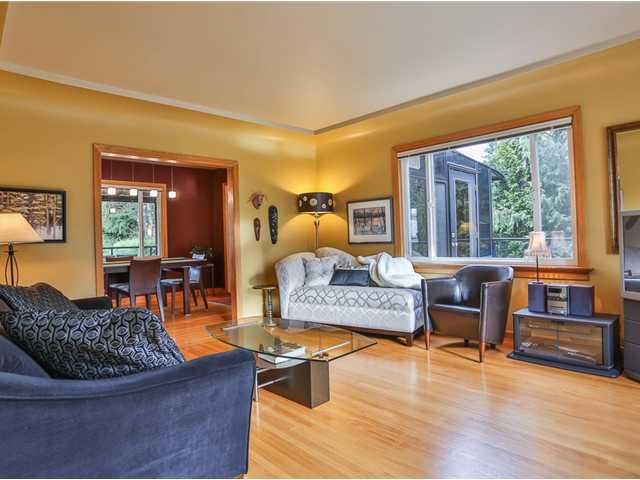 Photo 4: 1327 WINSLOW Avenue in Coquitlam: Central Coquitlam House for sale : MLS(r) # V981423