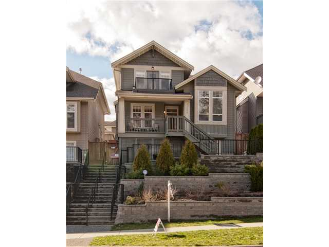 "Main Photo: 11253 CREEKSIDE Street in Maple Ridge: Cottonwood MR House for sale in ""BLUEBERRY HILL"" : MLS® # V992122"