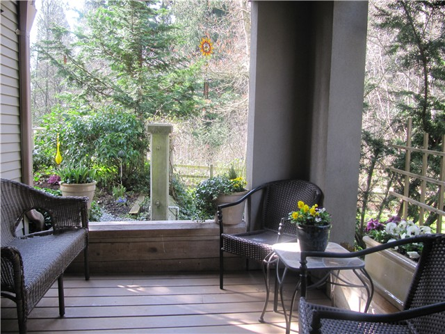 Photo 9: # 103 1242 TOWN CENTRE BV in Coquitlam: Canyon Springs Condo for sale : MLS® # V1010413