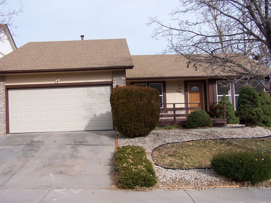 Main Photo: 14959 E. Walsh Drive in Aurora: House for sale : MLS® # 7850563