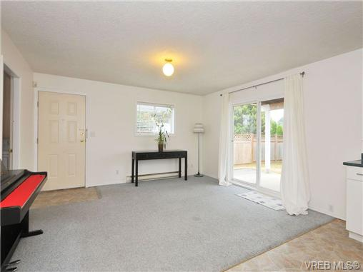 Photo 17: 3212 Doncaster Drive in VICTORIA: SE Cedar Hill Single Family Detached for sale (Saanich East)  : MLS® # 340560