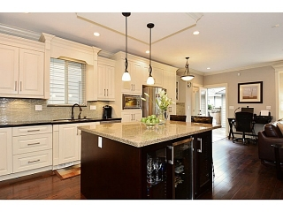 Main Photo: 14636 36A AV in Surrey: King George Corridor House for sale (South Surrey White Rock)  : MLS® # F1423863