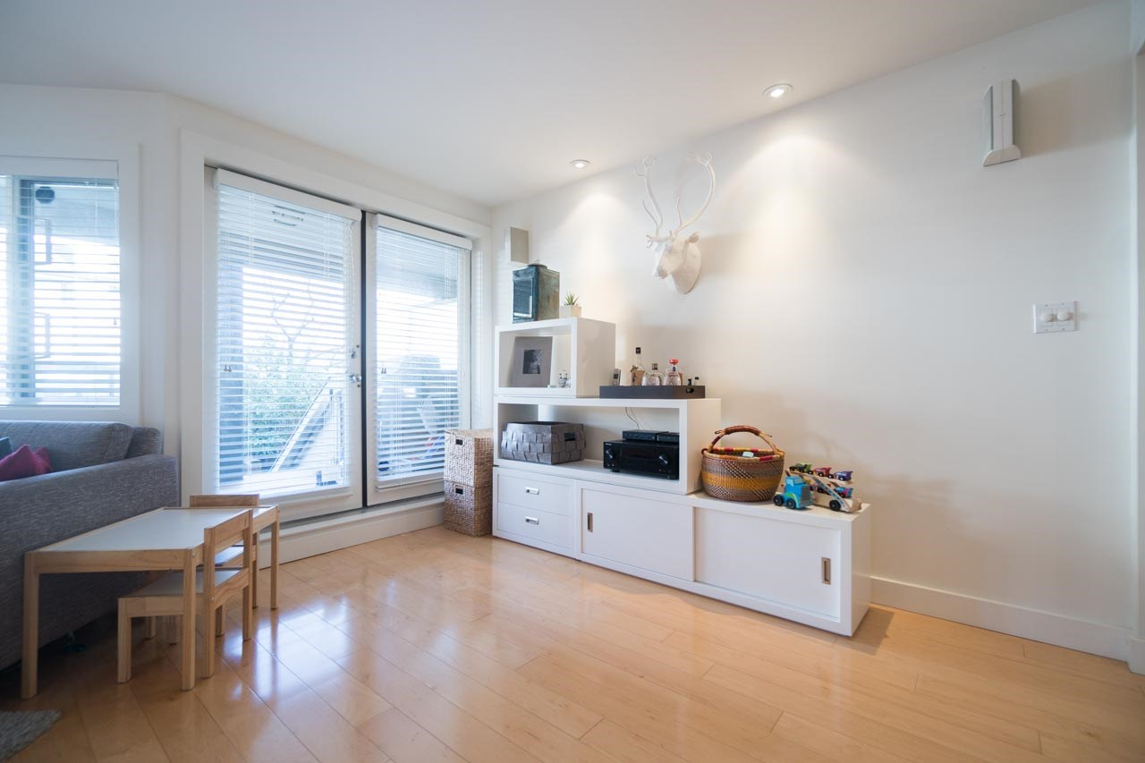 Photo 5: 2411 W 1ST AVENUE in Vancouver: Kitsilano Townhouse for sale (Vancouver West)  : MLS(r) # R2140613