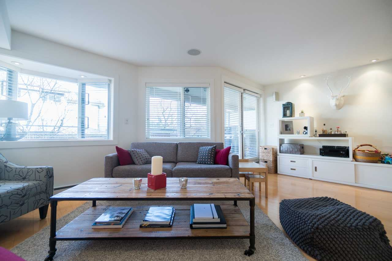 Photo 4: 2411 W 1ST AVENUE in Vancouver: Kitsilano Townhouse for sale (Vancouver West)  : MLS(r) # R2140613