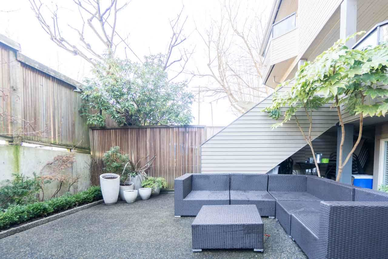 Photo 12: 2411 W 1ST AVENUE in Vancouver: Kitsilano Townhouse for sale (Vancouver West)  : MLS(r) # R2140613