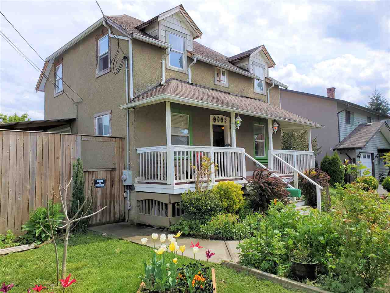 FEATURED LISTING: 9094 WILLIAMS Street Chilliwack