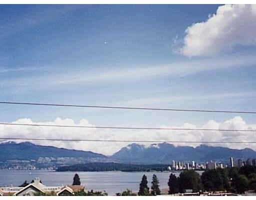 Main Photo: 402 1631 VINE ST in Vancouver: Kitsilano Condo for sale (Vancouver West)  : MLS® # V563897