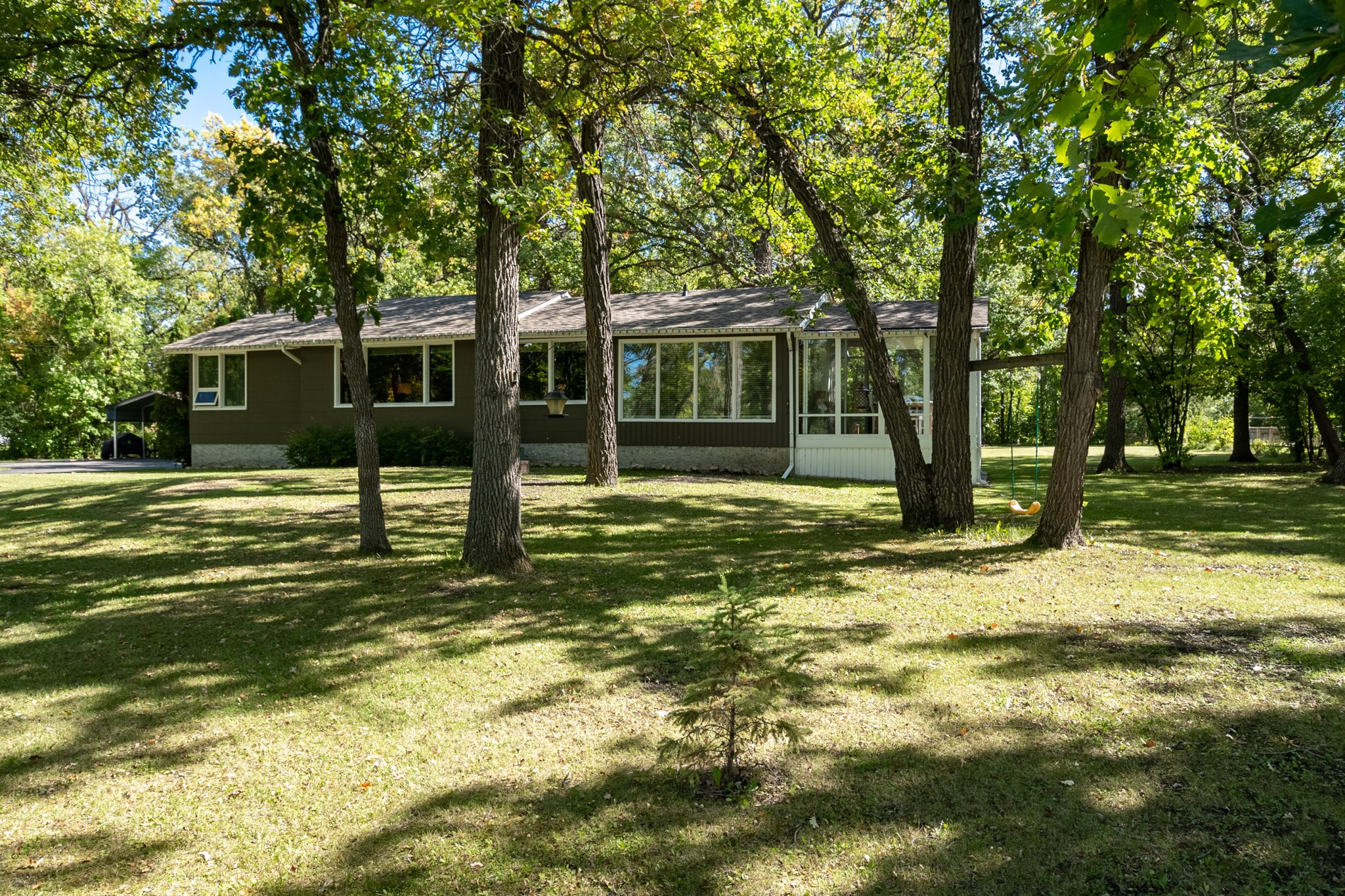 FEATURED LISTING: 3293 Henderson Highway East St. Paul
