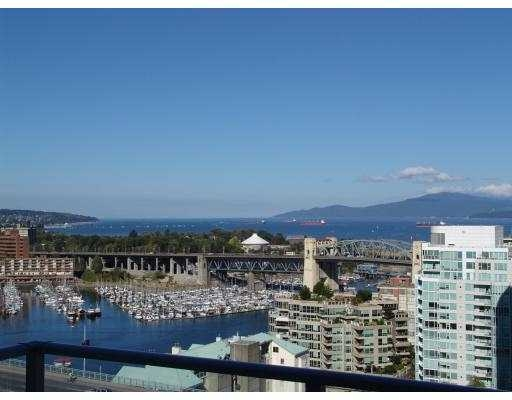 Main Photo: 2205 638  Beach Cr in Vancouver: False Creek North Condo for sale (Vancouver West)  : MLS® # V612979