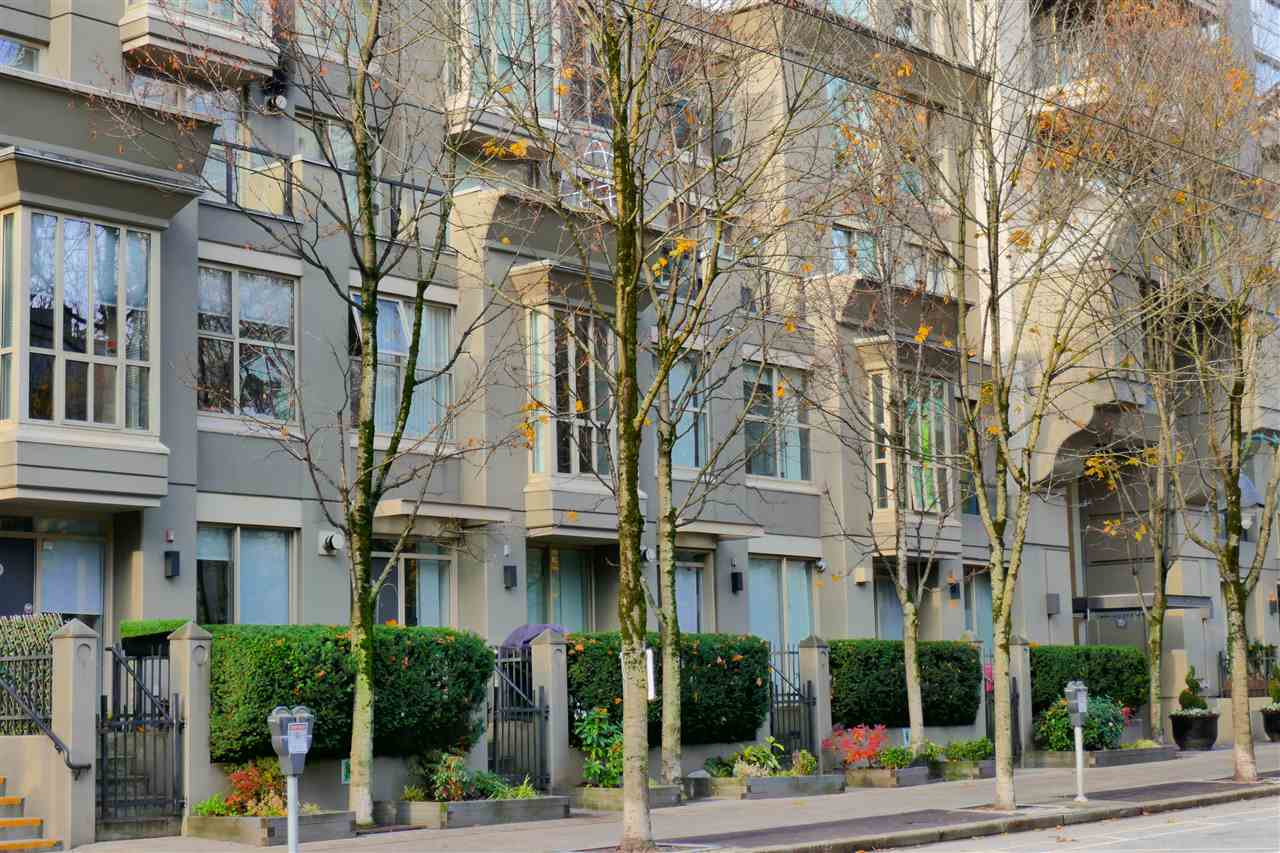 FEATURED LISTING: 407 969 RICHARDS Street Vancouver