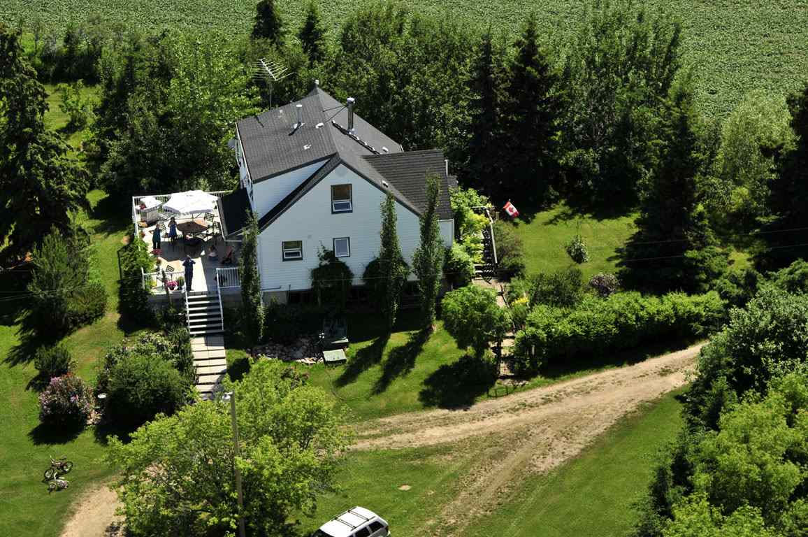 FEATURED LISTING: 56223A RR 31 Rural Lac Ste. Anne County
