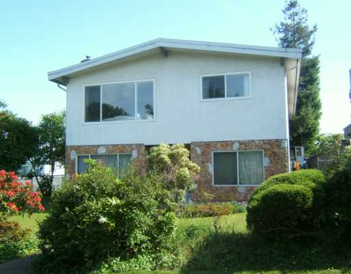 "Main Photo: 2460 E 51ST AV in Vancouver: Killarney VE House for sale in ""KILLARNEY"" (Vancouver East)  : MLS® # V595119"