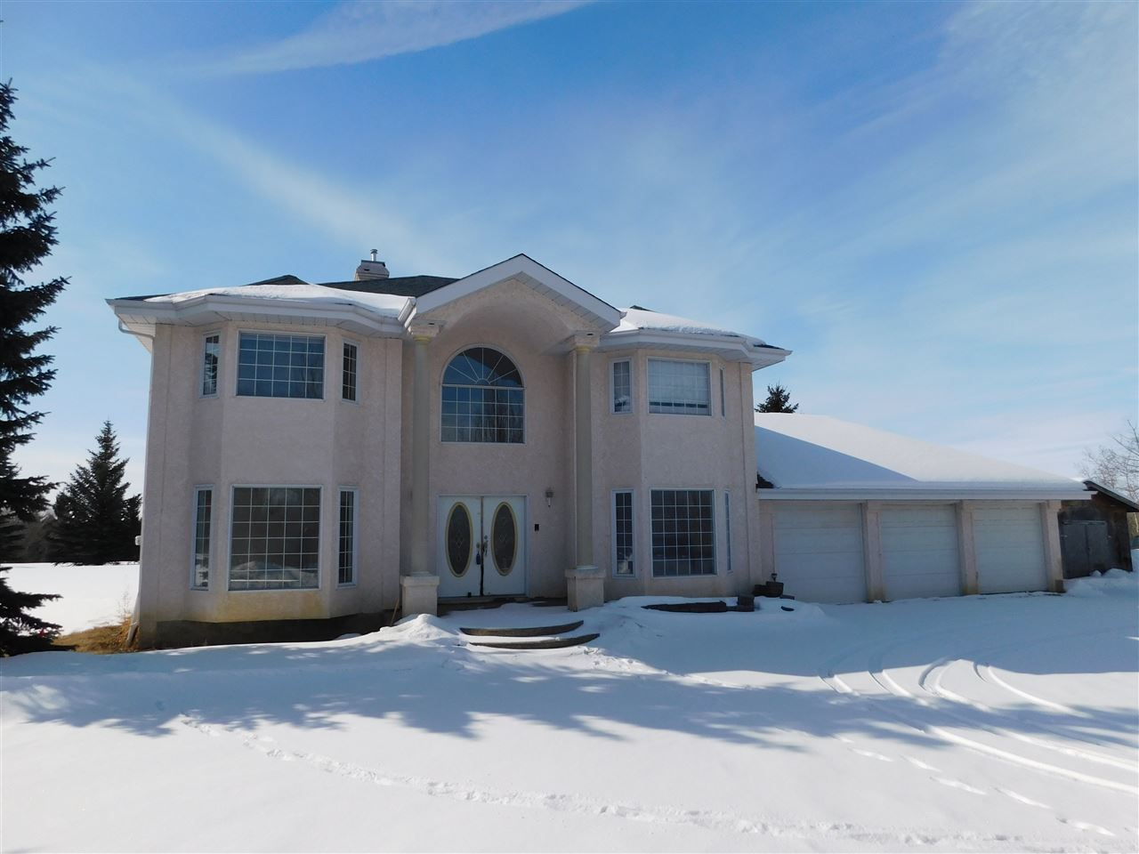 FEATURED LISTING: 55517 Rge Rd 240 Rural Sturgeon County