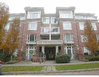 "Main Photo: 306 2628 YEW ST in Vancouver: Kitsilano Condo for sale in ""CONNAUGHT PLACE"" (Vancouver West)  : MLS®# V549727"