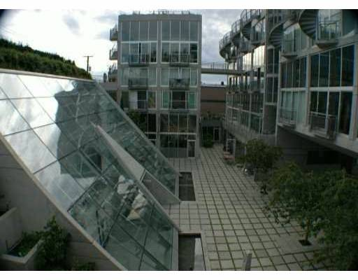 "Photo 3: 1540 W 2ND Ave in Vancouver: False Creek Condo for sale in ""WATERFALL BUILDING"" (Vancouver West)  : MLS(r) # V621596"