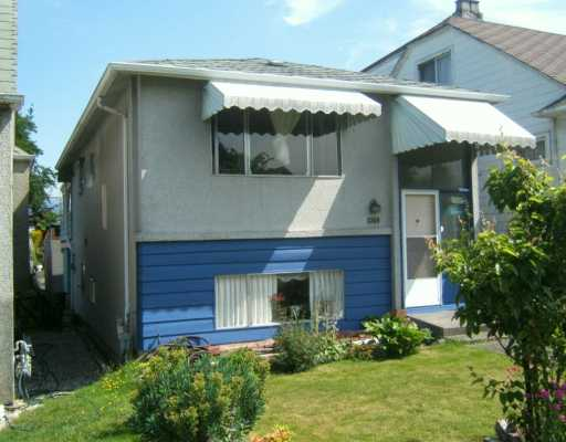"Main Photo: 2569 CHARLES ST in Vancouver: Renfrew VE House for sale in ""RENFREW"" (Vancouver East)  : MLS® # V596310"