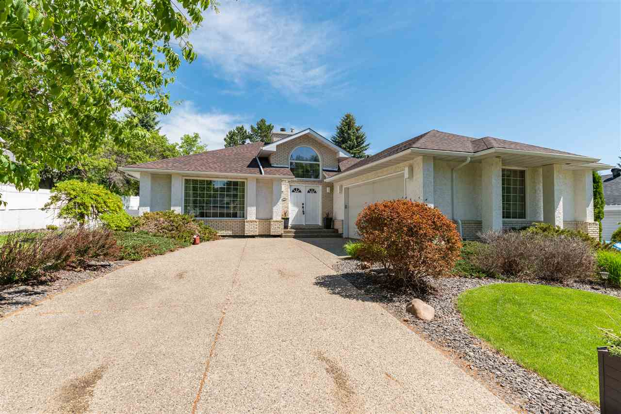 FEATURED LISTING: 30 Inverness Crescent St. Albert