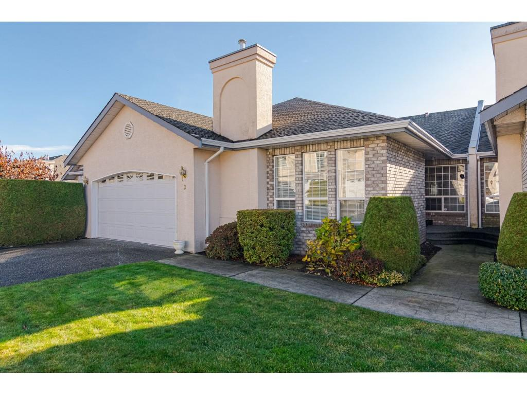 FEATURED LISTING: 3 31445 UPPER MACLURE Road Abbotsford