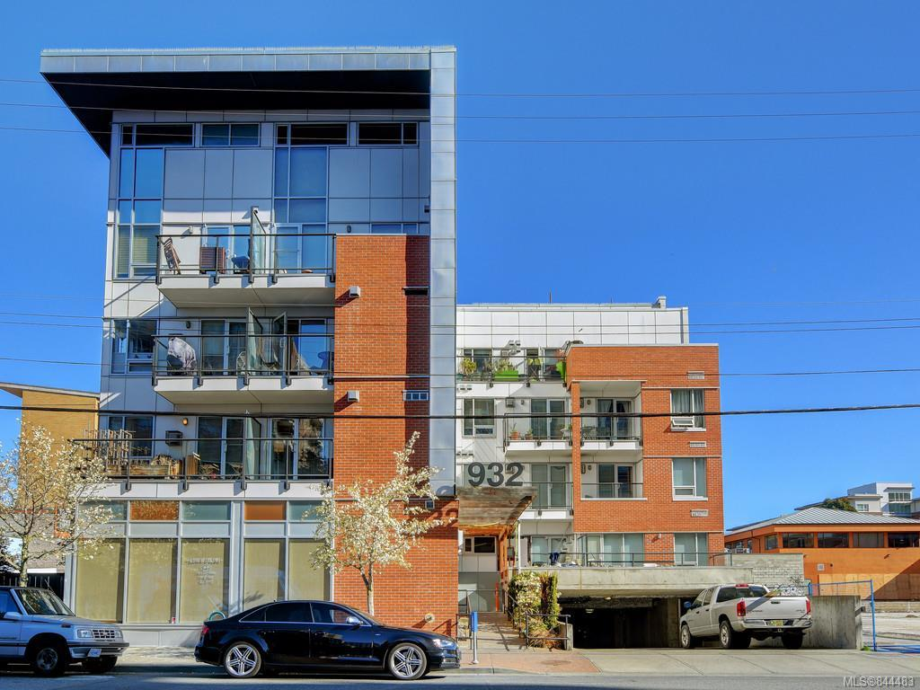 FEATURED LISTING: 201 - 932 Johnson St Victoria