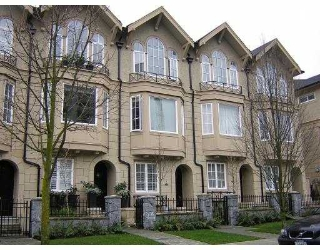Main Photo: 912 W 13TH AV in Vancouver: Fairview VW Townhouse for sale in &quot;BROWNSTONE&quot; (Vancouver West)  : MLS(r) # V579840