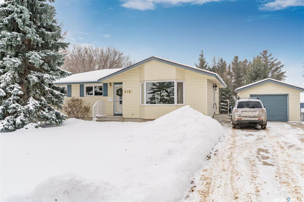 FEATURED LISTING: 3321 Mountbatten Street Saskatoon